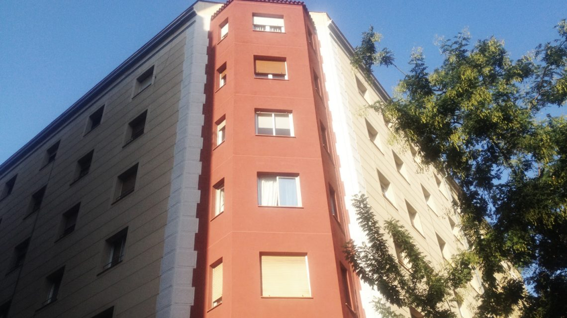 Rehabilitation of a façade in L'Hospitalet